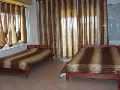 P Top Room 2